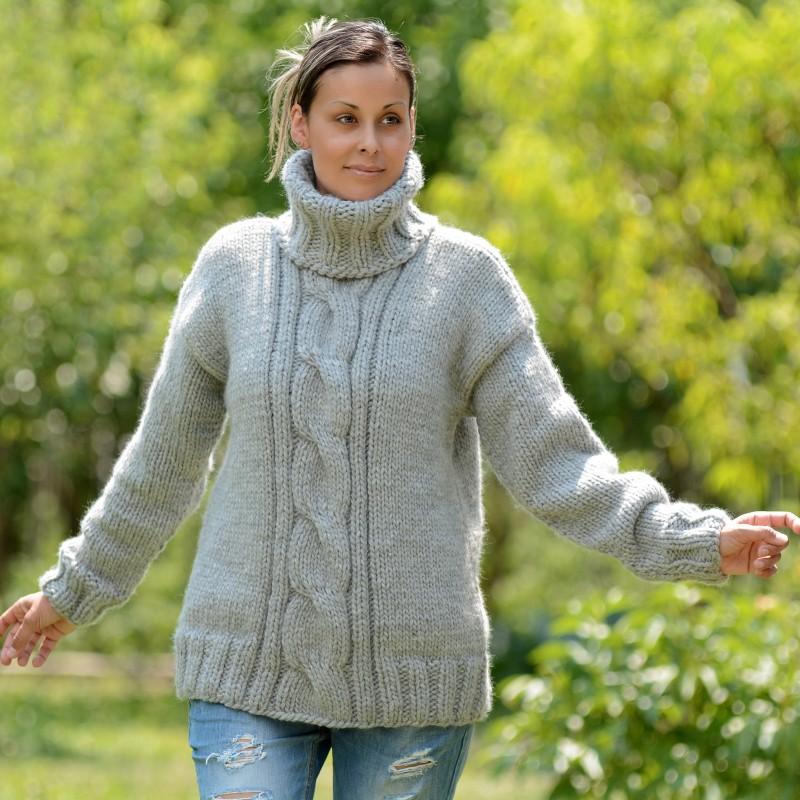 Cable Hand Knit 100 % merino wool Sweater Fuzzy Turtleneck Handgestrickt pullover by Extravagantza